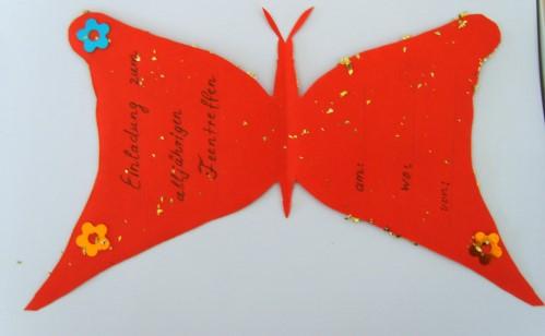 Auch Die Innenseite Der Gebastelten Einladungskarte Kann Man Noch  Entsprechend Verzieren.